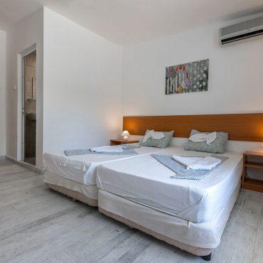 Стая с 2 Легла