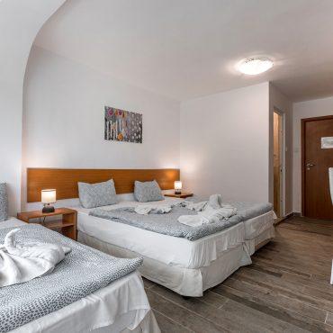 Стая с 2+1 Легла